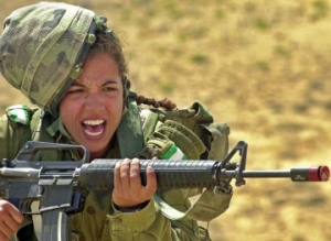 woman-in-combat